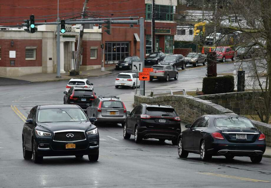 Traffic passes along Glenville Road near Riversville Road in Glenville on Thursday. Photo: Tyler Sizemore / Hearst Connecticut Media / Greenwich Time