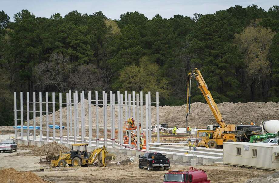 Workers construct part of the new Angelina Forest Products saw mill in Lufkin, TX, Monday, Feb. 25, 2019. The mill is being built to meet increased demand for southern yellow pine. Photo: Mark Mulligan,  Staff Photographer / © 2019 Mark Mulligan / Houston Chronicle