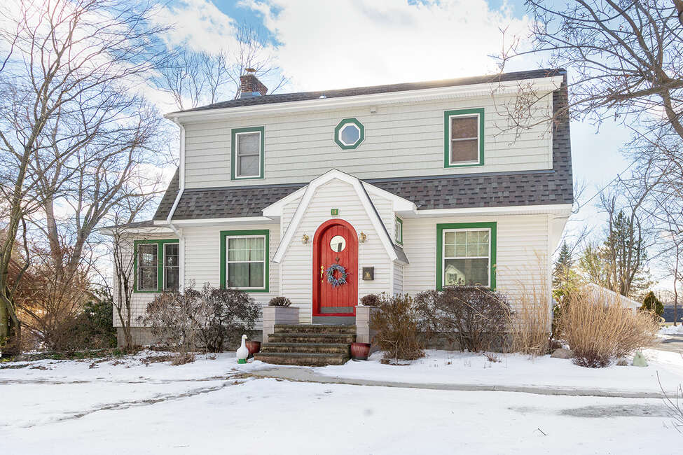 House of the Week: 16 Castleton Ave., East Greenbush | Realtor: Rebecca Cavalieri of Gabler Realty | Discuss: Talk about this house