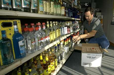 The Texas Alcoholic Beverage Code is filled with outdated and contradictory provisions that serve no purpose than restricting competition and protecting entrenched special interests. House Bill 1100, sponsored by Rep. Richard Raymond, D-Laredo,  would go a long way toward modernizing state distilled spirits laws by allowing Texas package stores - or retail liquor stores - to open on Sundays.