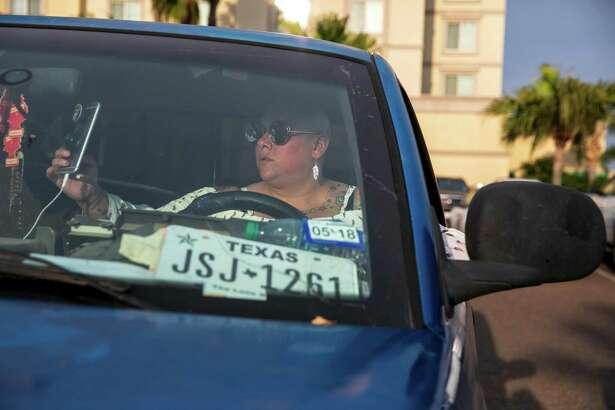 Priscilla Villarreal, también conocida como La Gordiloca, en su camioneta Dodge, el 27 de febrero de 2019.