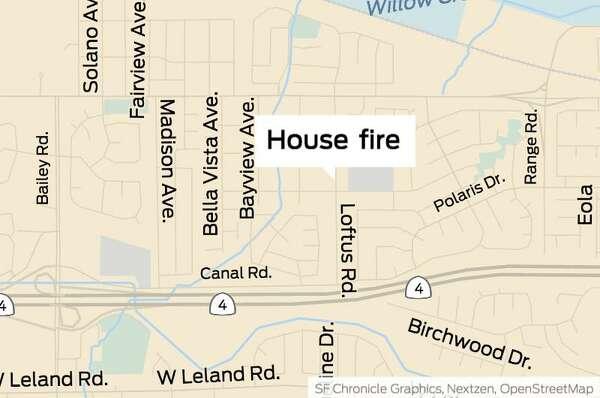 Man dies in Bay Point home fire; woman escapes via broken window