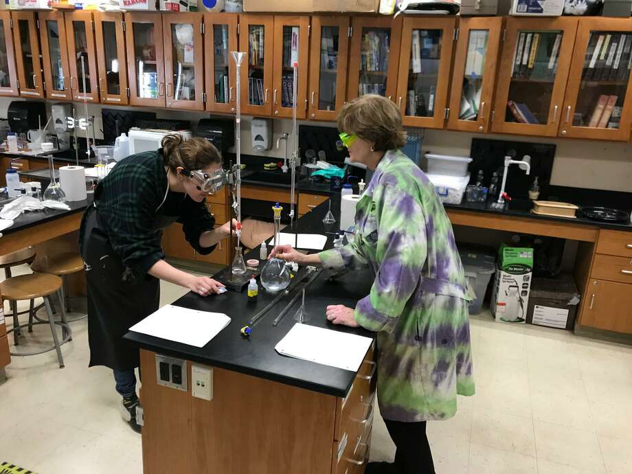 Annika Morgan and Katherine Nuzzo work together in a science classroom at Joel Barlow High School. Both are finalists for the Women of Innovation Awards. Photo: Contributed Photo / The News-Times Contributed