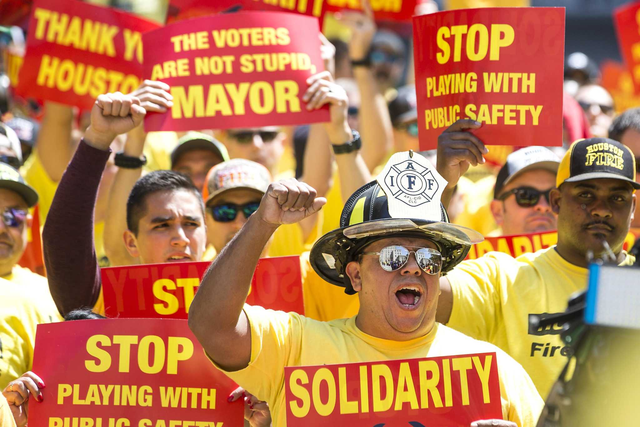 Enter arbitration with Houston firefighters [Opinion]