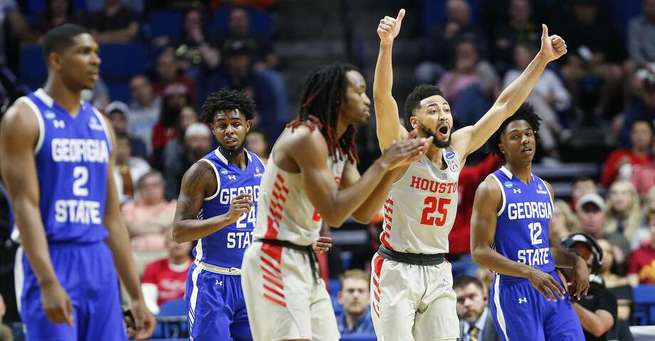 Houston Cougars guard Galen Robinson Jr. (25) wants a jump ball call while on defense against Georgia State Panthers in the first round of NCAA playoffs at BAK Center on Friday, March 22, 2019 in Tulsa. Photo: Elizabeth Conley/Staff Photographer