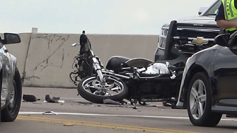 Man killed in motorcycle wreck in Conroe Photo: Scott Engle