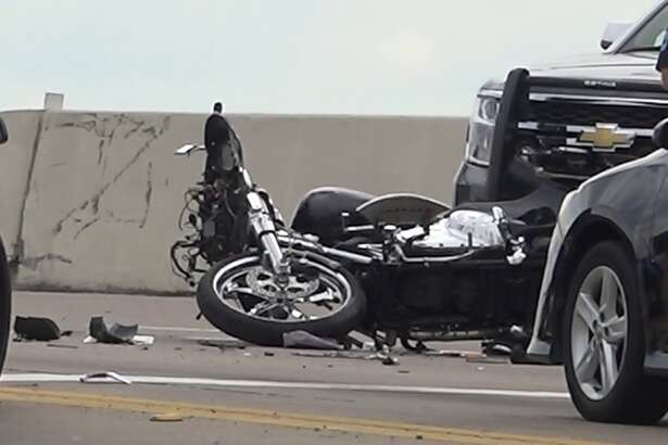 Man killed in motorcycle wreck in Conroe
