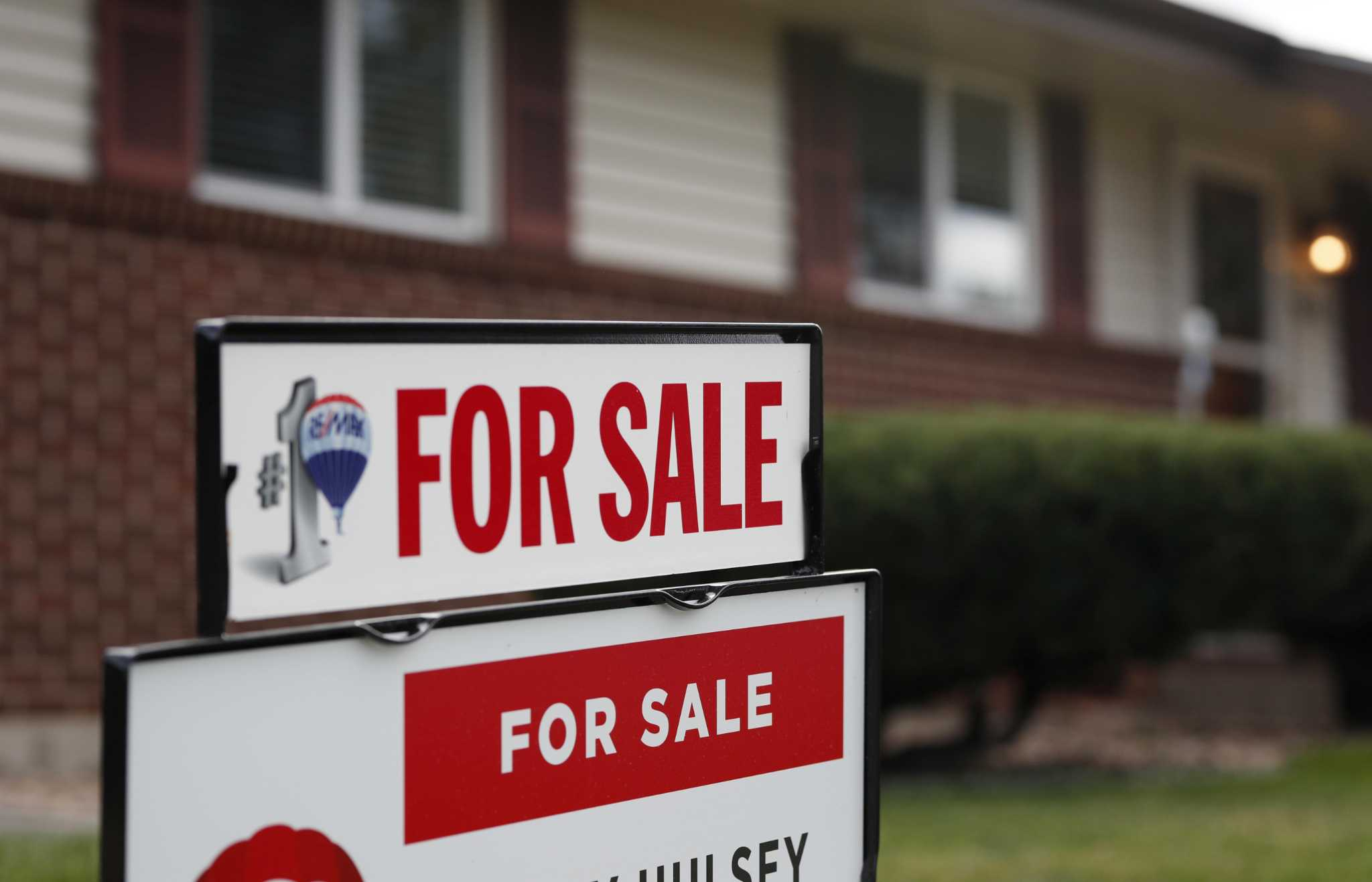 Mortgages, still at 15-month low, begin to creep upward