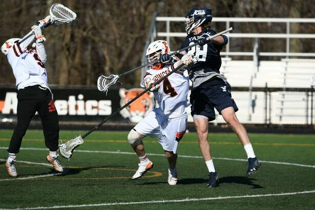 The Yale men's lacrosse team beat Princeton on Saturday for its fifth straight win.