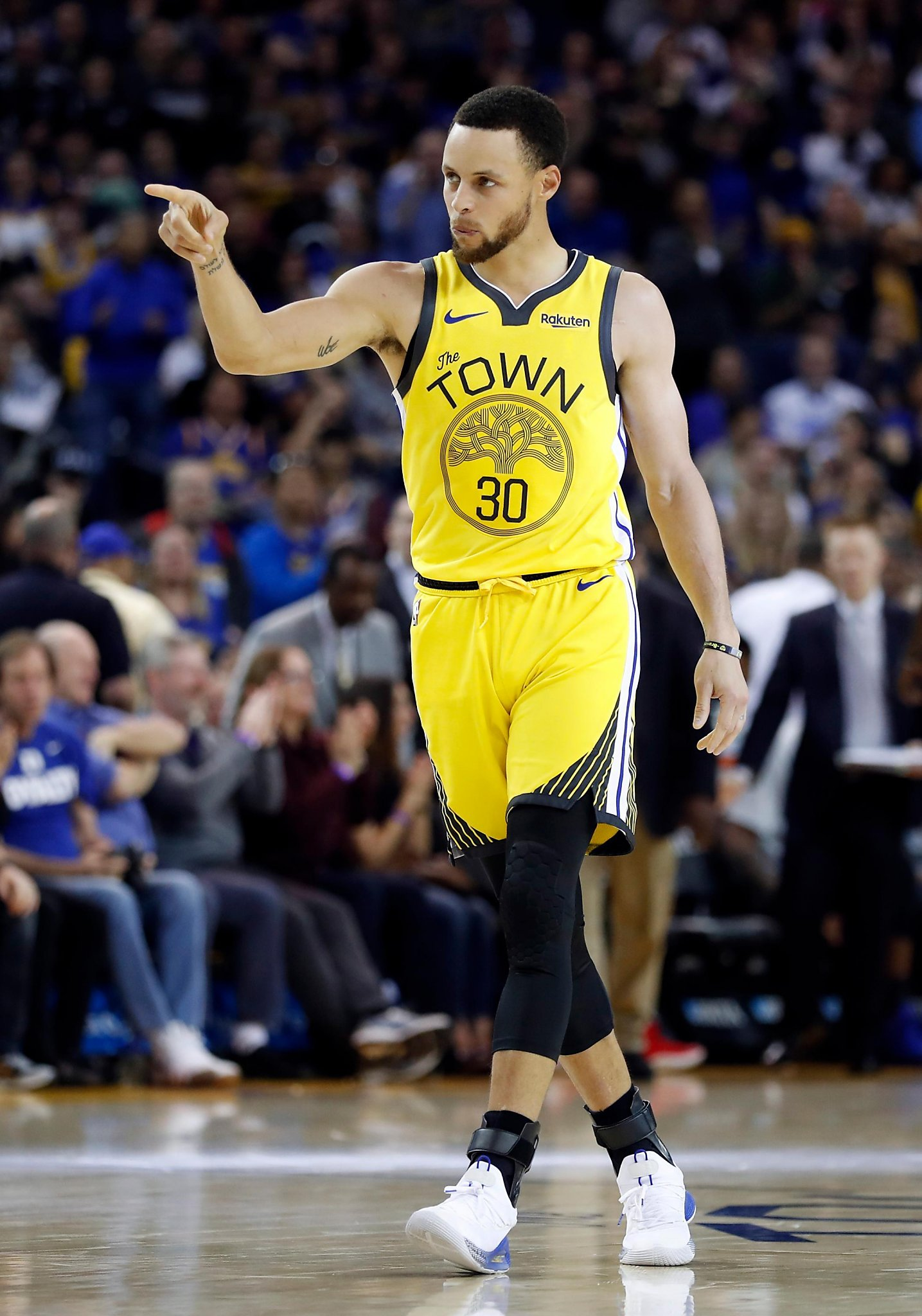 stephen curry helped lead - HD 1435×2048