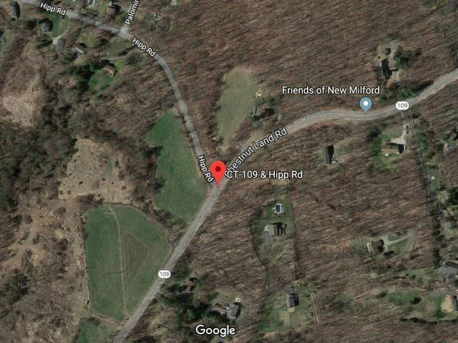 Accident causes New Milford power outages - NewsTimes