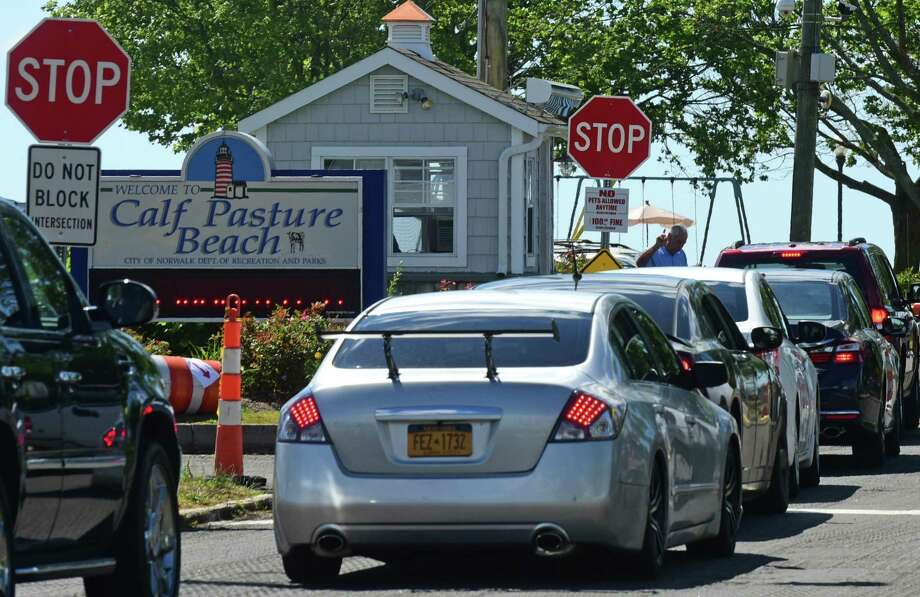 Lines a traffic going into Calf Pasture Beach in Norwalk, Conn. Saturday, July 2, 2016. Photo: Erik Trautmann / Hearst Connecticut Media / (C)2016, Norwalk Hour, all rights reserved