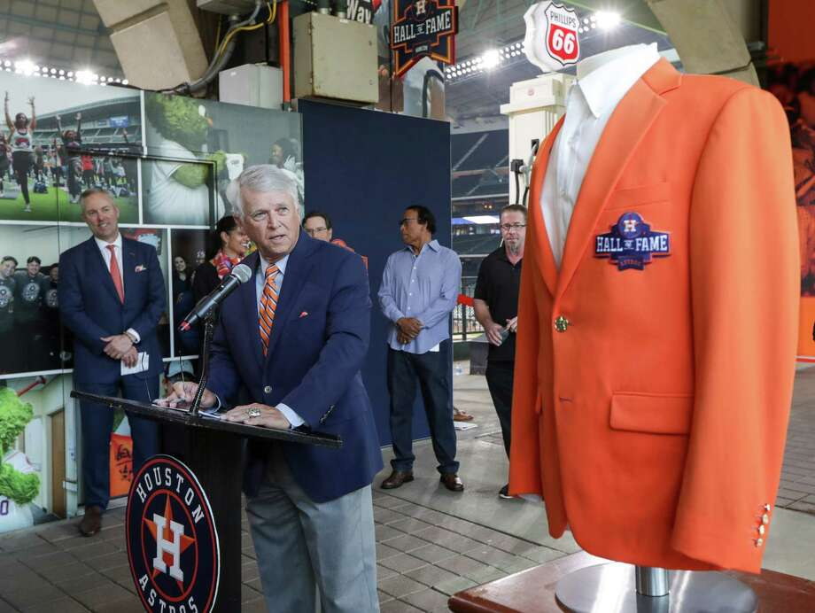 Astros unveil Hall of Fame exhibit in Minute Maid Park