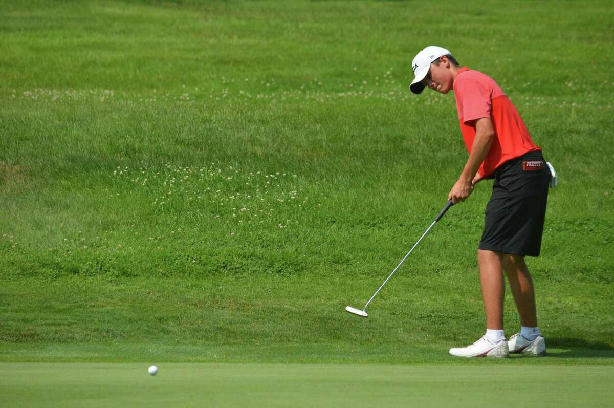 Greenwich's Jackson Fretty putts during Day 3 of the 76th Connecticut Junior Amateur at Watertown Country Club on July 12, 2017.