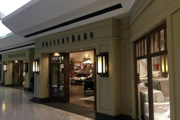 Pottery Barn plans to close its store at Stamford Town Center in late April, the mall's management has confirmed.