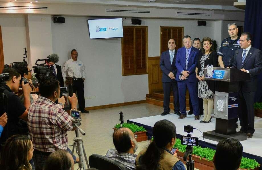 El alcalde Enrique Rivas reafirmó su petición para destinar recursos adicionales para atender el fenómeno migratorio. Photo: Foto De Cortesía /Gobierno Municipal De Nuevo Laredo