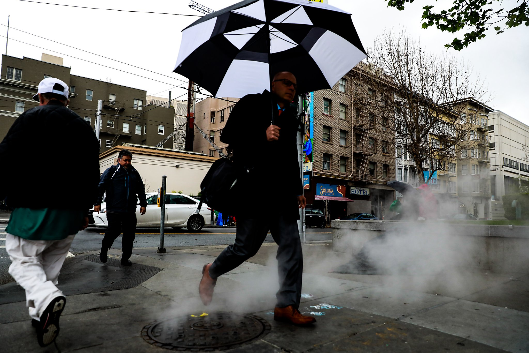 Bay Area's unsettled, stormy weather to continue through end