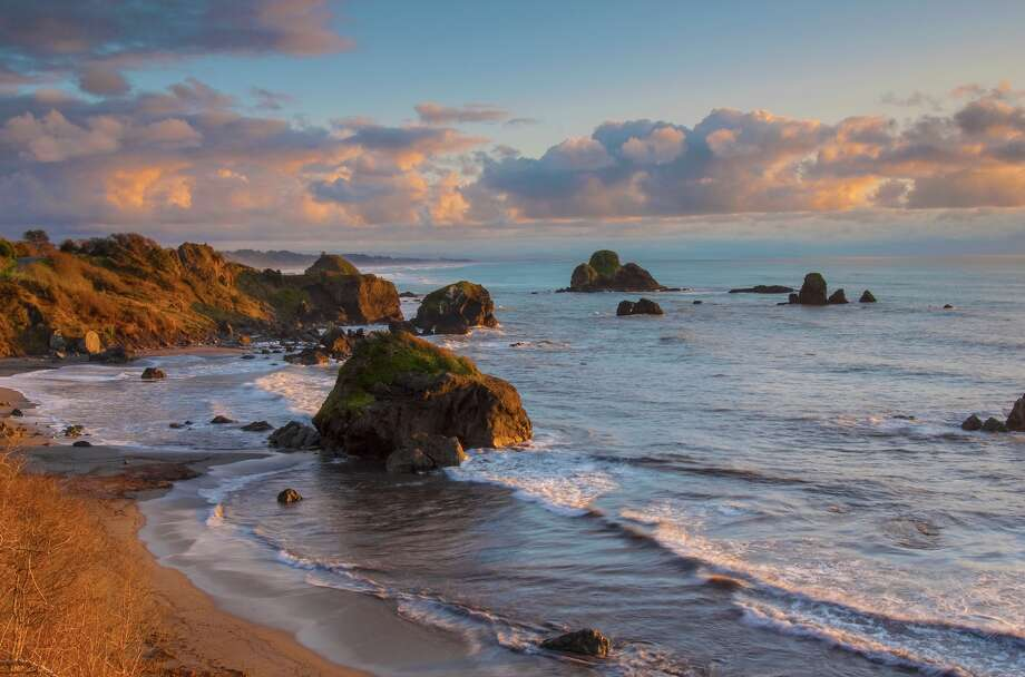 An Ione, Calif., man was killed just north of Luffenholtz Beach near Trinidad, Calif., on Friday when a sneaker wave swept him off the rock that he was fishing from. Photo: CampPhoto/Getty Images/iStockphoto / Sam Camp