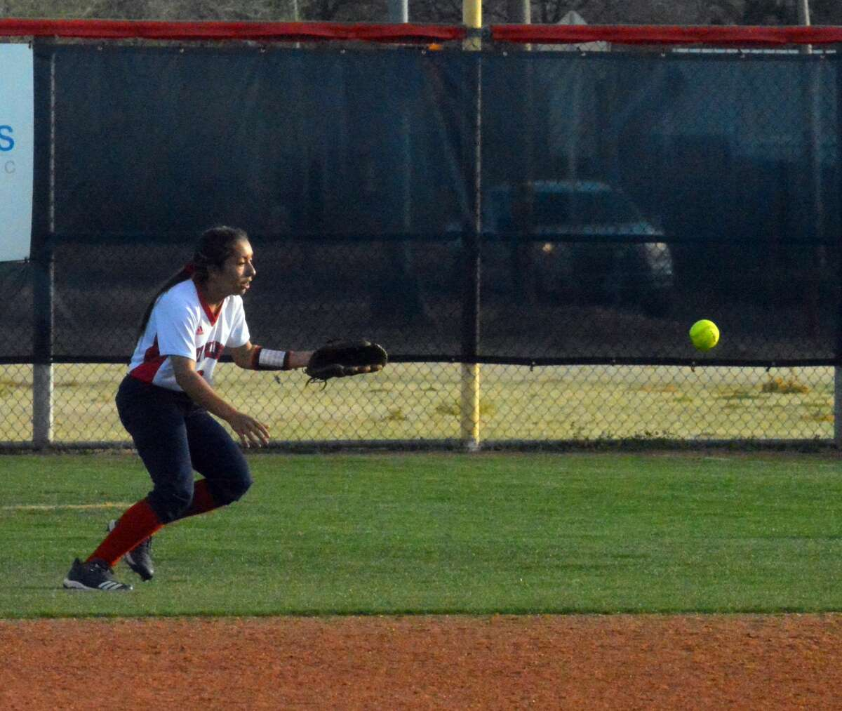 The Coronado Lady Mustangs powered a 12-run sixth inning to beat the Plainview Lady Bulldogs, 17-1, in six innings during District 3-5A action on Tuesday in Plainview.