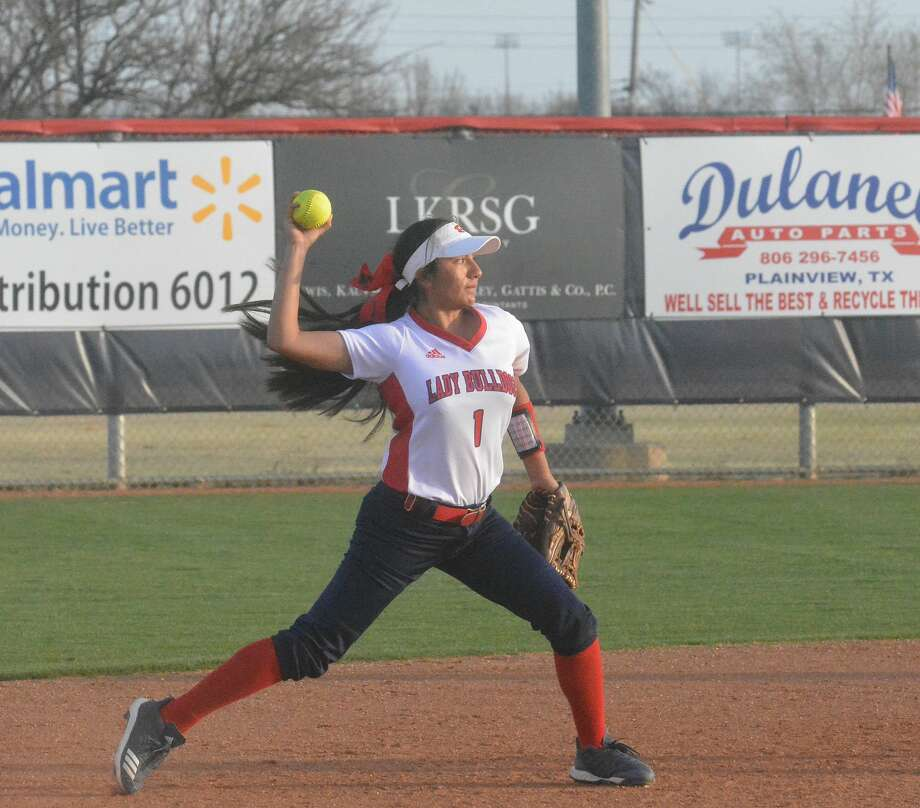 The Coronado Lady Mustangs powered a 12-run sixth inning to beat the Plainview Lady Bulldogs, 17-1, in six innings during District 3-5A action on Tuesday in Plainview. Photo: Alexis Cubit/Plainview Herald