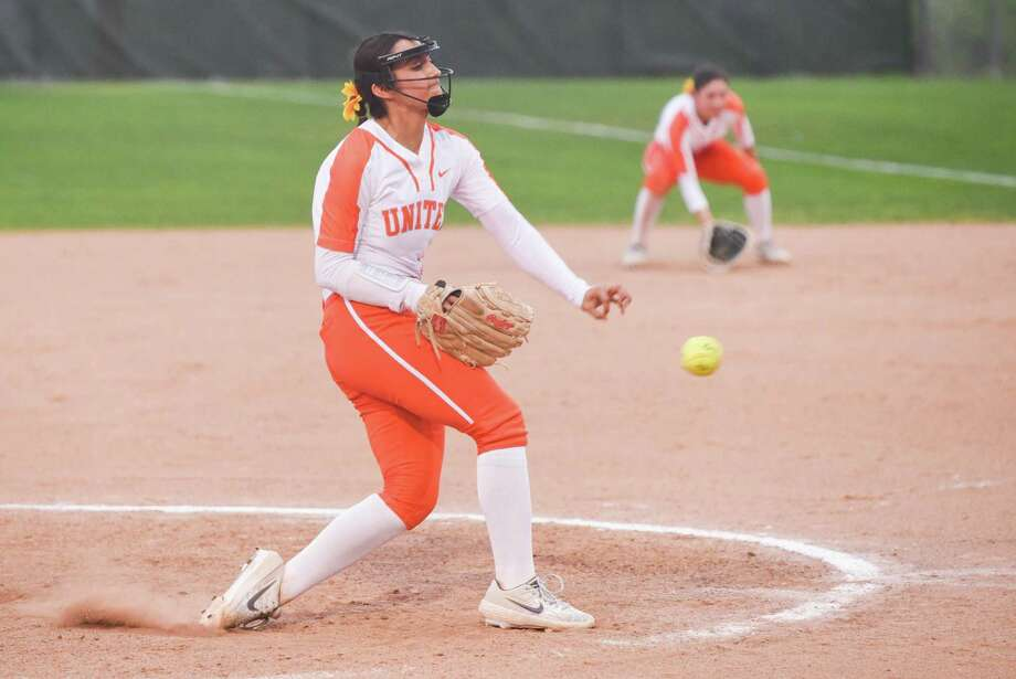 Kelly Salinas had four strikeouts in a complete-game shutout Tuesday at the SAC as United blanked rival Alexander 2-0 to close out the first round. Photo: Danny Zaragoza /Laredo Morning Times