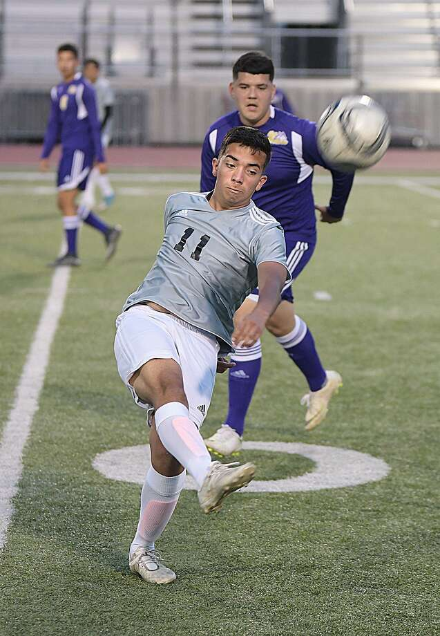 Jose Hernandez scored the only goal in United South's 1-0 victory over LBJ Tuesday. Photo: Cuate Santos /Laredo Morning Times / Laredo Morning Times