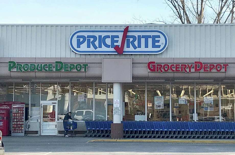 Price Rite locations throughout Connecticut are being rebranded and renovated with updated looks, including the stores in Cromwell, New Britain and Wethersfield. The updates include new facades; updated logo; brighter interiors; and more modern backdrop design of whitewashed wood throughout the stores. Photo: Chris Bosak / Hearst Connecticut Media / The News-Times