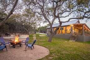 Canyon Lake Average price per night: $430 Sleeps: 10