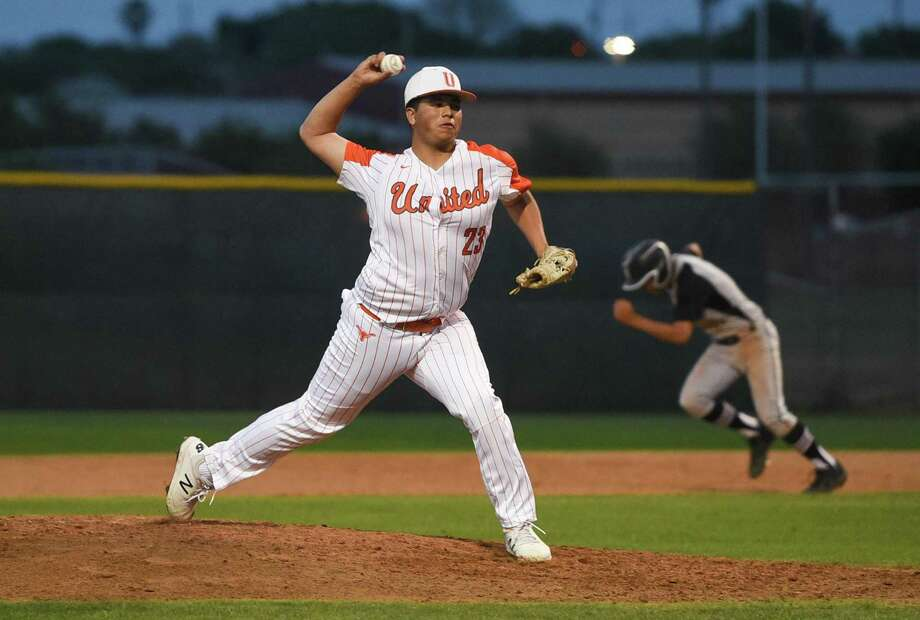 Adrian Castillo took the loss on the mound for the Longhorns Saturday as they fell to Calallen 9-0 on the road. Photo: Danny Zaragoza /Laredo Morning Times File