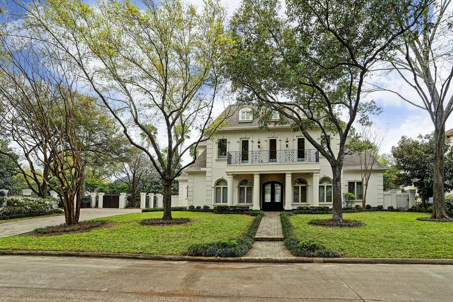 A Stablewood home asking $3.7 million. As the average rate for a 30-year fixed-rate mortgage plummet, Freddie Mac predicts the housing market will regain momentum. Photo: TK Images