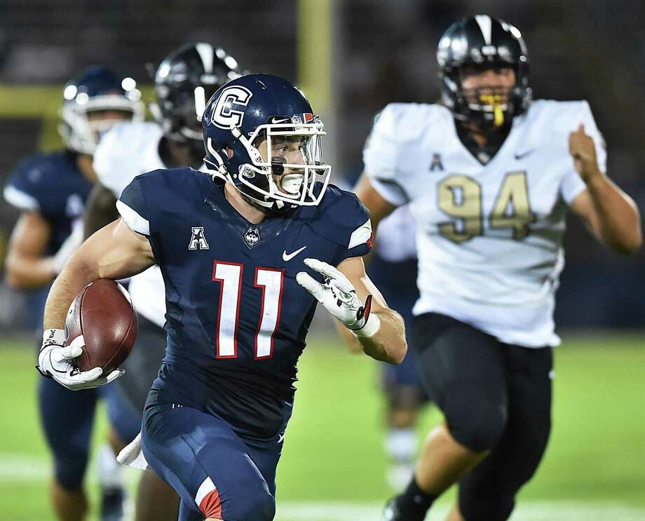 Former UConn wide receiver Kyle Buss has been invited to the Minnesota Vikings rookie camp. Photo: Catherine Avalone / Hearst Connecticut Media File Photo / New Haven Register