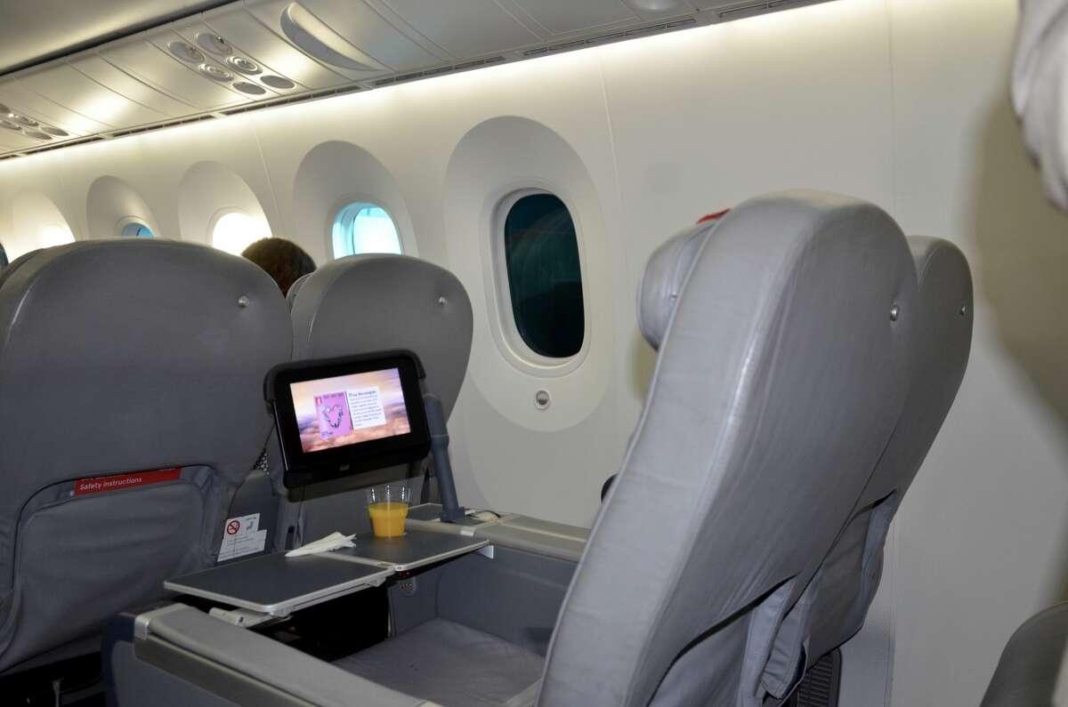 Norwegian Air Boeing 787 Dreamliner premium economy seating