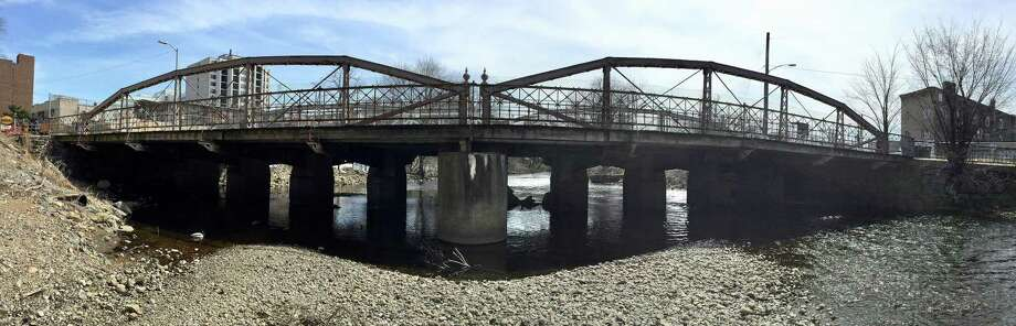 The Board of Representatives voted Monday, April 1 in favor of continuing the project to repair the historic West Main Street bridge in Stamford. Photo: Matthew Brown / Hearst Connecticut Media / Stamford Advocate