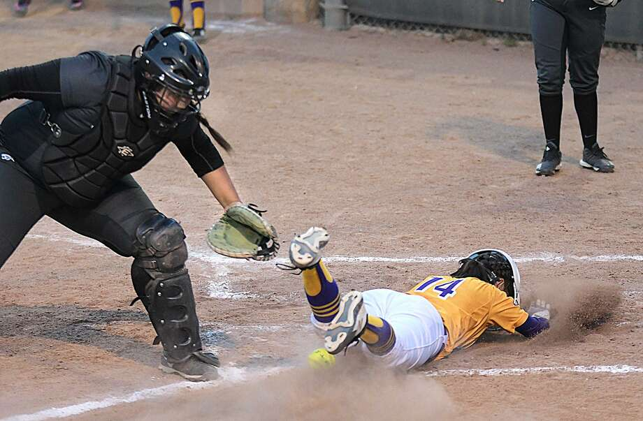 Ashley Aguilar was 2-for-3 with three runs, a walk and an RBI Wednesday in LBJ's 18-12 win over rival United South at the SAC to close out the first round. Photo: Cuate Santos / Laredo Morning Times / Laredo Morning Times