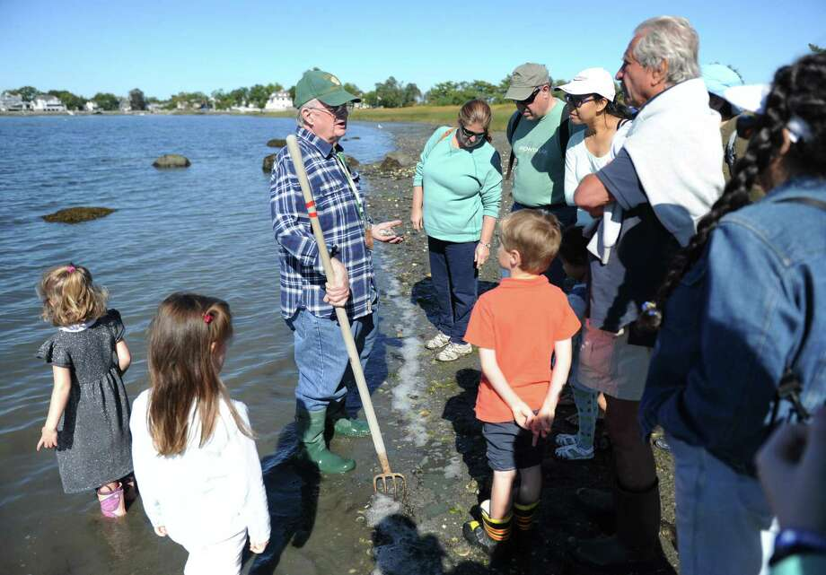 Greenwich Shellfish Commission Warden Bill Cameron will gives a shellfishing demonstration at Greenwich Point Park in Old Greenwich this Sunday. Photo: File / Hearst Connecticut Media / Greenwich Time