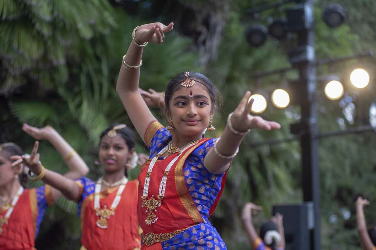 Festival of India: Maverick Plaza at La Villita, 418 Villita St., 210-960-5784, indiasa.org. India Association of San Antonio presents a celebration of Indian culture, traditions and entertainment featuring live performances, art and clothing vendors, food booths, exhibits and henna. 3-9 p.m. Saturday.