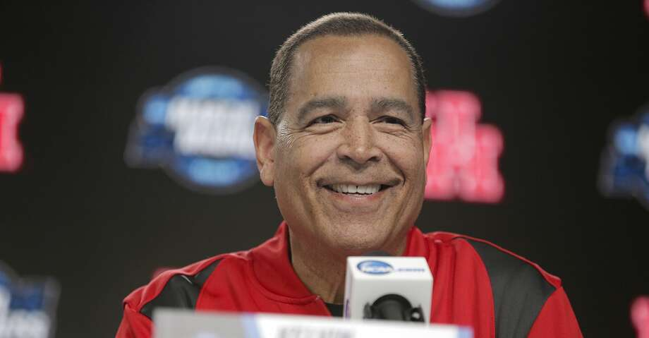 PHOTOS: UH practice Houston Cougars head coach Kelvin Sampson answers questions from the media during a press conference on Thursday, March 29. 2019 at the Sprint Center in Kansas City, MO. Houston will take on Kentucky Wildcats on Friday in the NCAA tournament. Browse through the photos to see the Cougars' practice before facing Kentucky in the Sweet 16. Photo: Elizabeth Conley/Staff Photographer