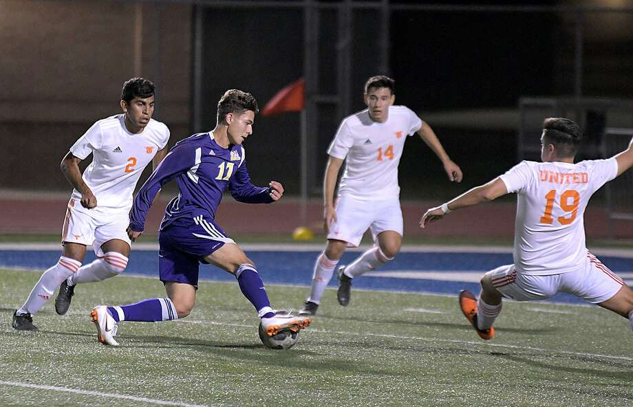 Omar Merla and LBJ will open the postseason at 7:30 p.m. Friday as they host McAllen Memorial at the SAC. This is the Wolves' 15th consecutive playoff appearance. They are also the only team to begin the playoffs in Laredo. Photo: Cuate Santos /Laredo Morning Times File / Laredo Morning Times