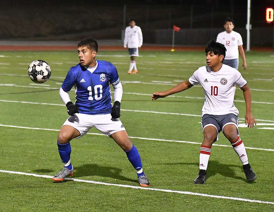 Cigarroa's Donald Hernandez was named the Most Valuable Player in District 29-5A. Hernandez and the Toros were in the No. 1 seed in the district, but fell in the second round of the playoffs. Photo: Cuate Santos /Laredo Morning Times File / Laredo Morning Times