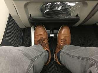 25 Hours In United S New Premium Economy Seat Photos Sfgate