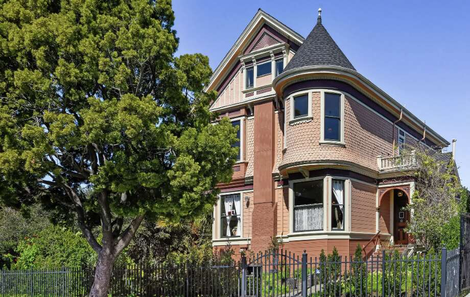 An iconic 1890 Queen Anne in West Oakland known as the Hume-Willcutt estate is an Oakland Historic Landmark. Photo: Open Homes Photography