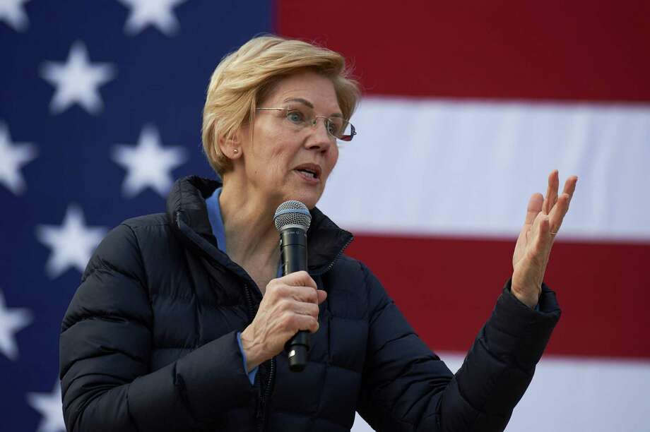 Sen. Elizabeth Warren of Massachusetts, a Democratic presidential hopeful who has called for an end to the Electoral College, speaks during a campaign event at Springs Preserve in Las Vegas, Feb. 17. Photo: BRIDGET BENNETT /NYT / NYTNS
