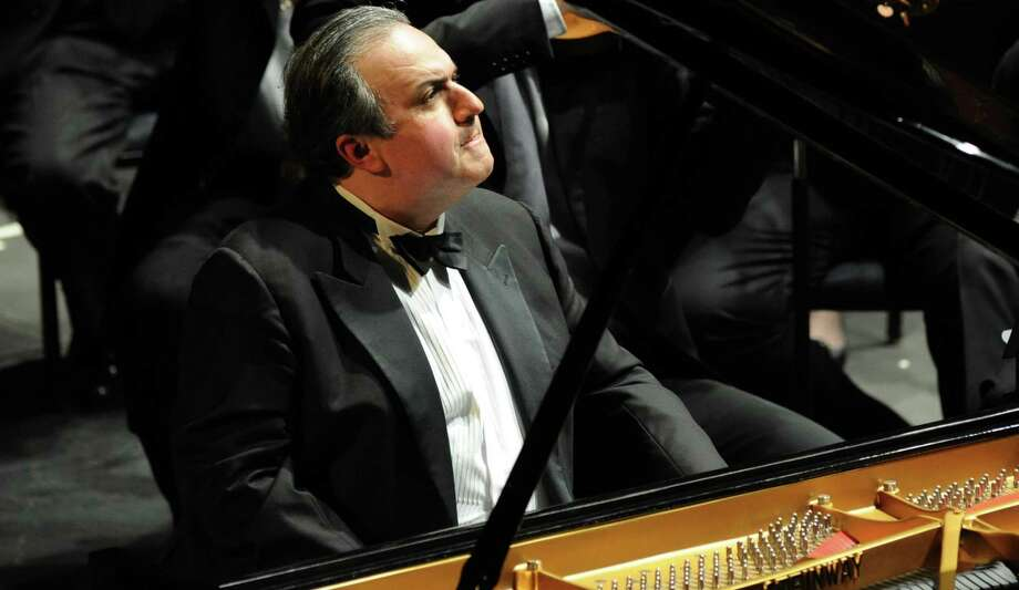 Yefim Bronfman will play Rachmaninoff's Concerto No. 3 with the San Antonio Symphony to close out the orchestra's 2019-'20 season. Photo: Frank Stewart / ONLINE_CHECK