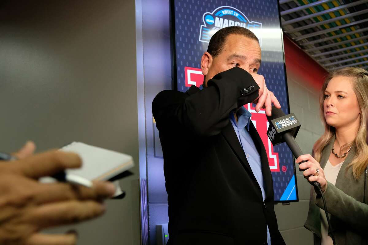 Houston head coach Kelvin Sampson pauses during a post game interview following a 62-58 loss to Kentucky in the NCAA Midwest Regional at Sprint Center in Kansas City on Friday, March 29, 2019.