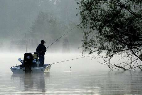As surface water temperatures on Texas inland waters climb to 70 degrees, crappie — and crappie anglers — move to the shallows, where concentrations of spawn-minded crappie offer an opportunity for fine fishing.