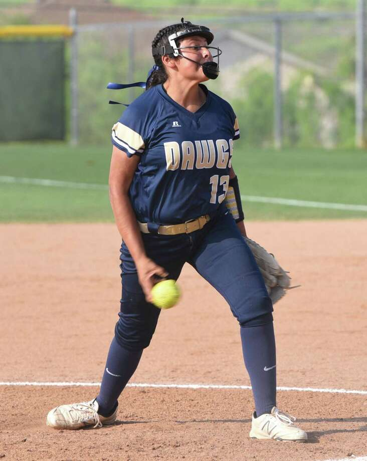 Krista Gamez earned the win on the mound and added two doubles and two RBIs Friday as Alexander beat LBJ 13-3 in six innings at the SAC. Photo: Danny Zaragoza /Laredo Morning Times