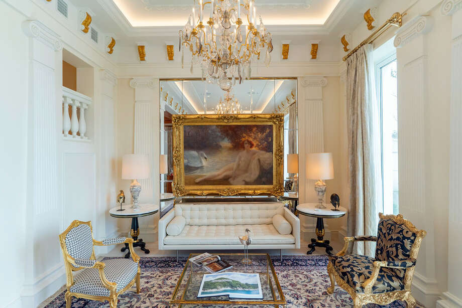 The living room at one of the mansions. Photo: Bloomberg Photo By Anthony Kwan / Bloomberg