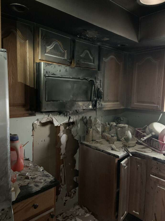 No one was injured after a fire started in a kitchen on London Drive in Hamden. Photo: / Contributed Photo /Hamden Fire Department