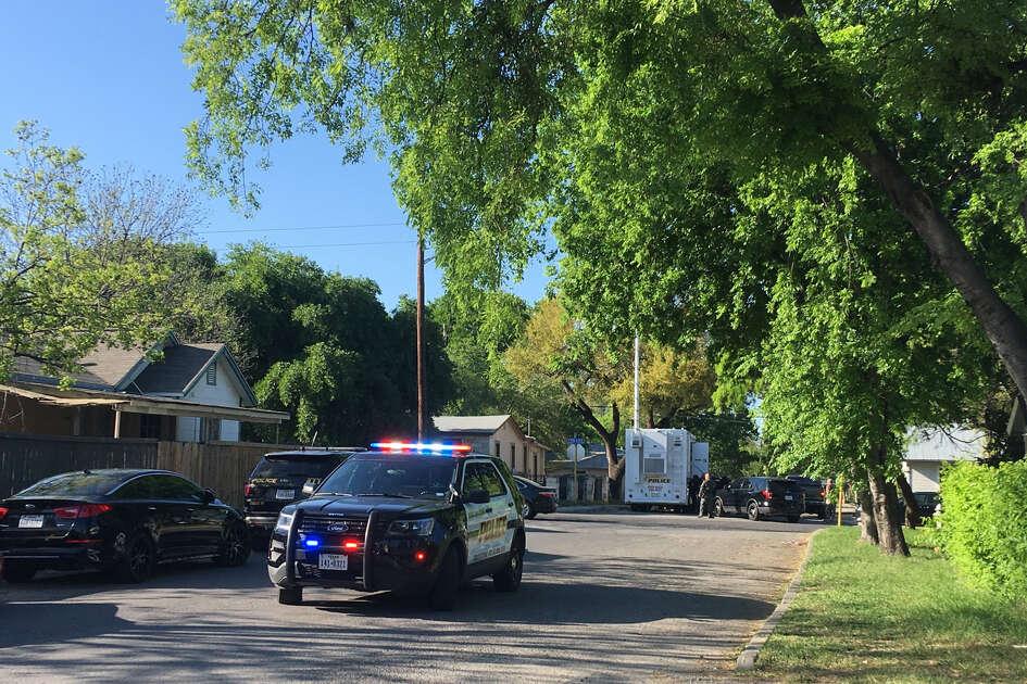 Motorcyclist dies in Clarksville crash - San Antonio Express