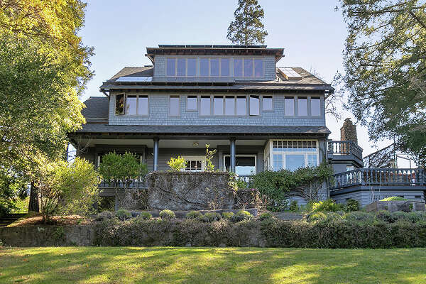 With a blend of original and totally unique modern features and stellar views, this Berkeley home asks $3.9M